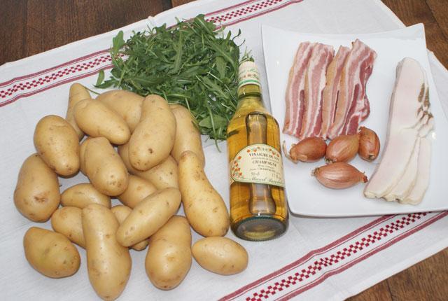 Les ingrédients de la salade au lard
