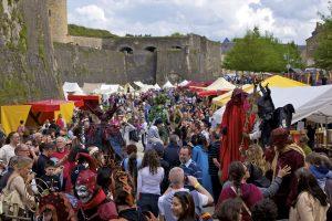 Festival Médiéval de Sedan en Ardenne. Parkings, distributeurs de billets, entrées, billetteries, toilettes