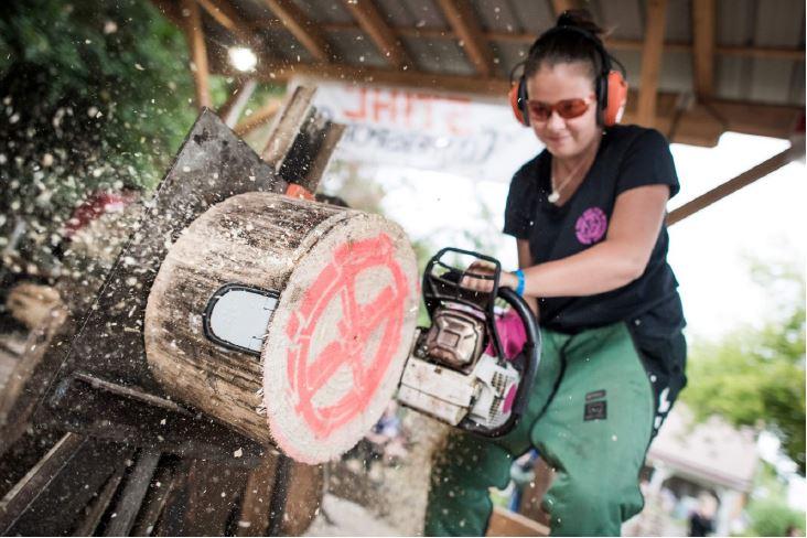 Compétition féminine - stock saw - Stihl Timbersports®