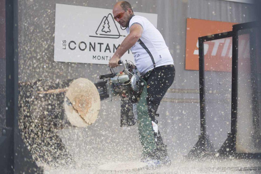 Foire de Sedan : le championnat de France Stihl Timbersports - L'épreuve du Hot Saw ou tronçonneuse de compétition : STIHL® TIMBERSPORTS®