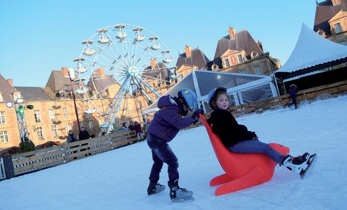 La patinoire du marché de Noël de Charleville