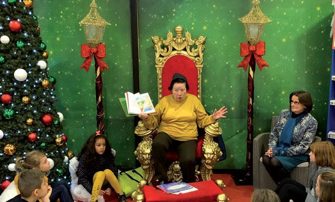 Lecture sur le marché de Noël de Charleville ©Ville de Charleville