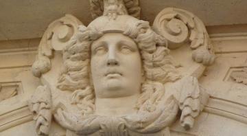 Visite guidée VAH Sedan : Statues et décors sculptés
